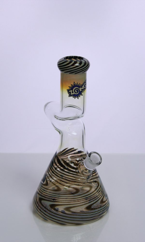 1-kink-worked-color-beaker-in-black